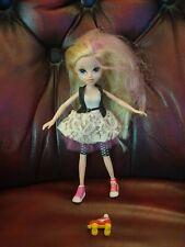 Moxie Girls Girlz Doll Avery 2009
