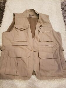 CABELA'S Men Khaki Sleeveless Vented Safari Fishing Hunting Shooting Vest Sz L