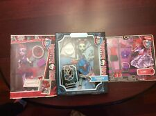 Monster High Threaderella Frankie, Operetta School Pic and Deluxe Fashion Set