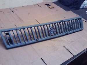 1985 1986 1987 MERCURY LYNX FRONT GRILLE GRILL RADIATOR SCREEN TRACER WAGON EX !