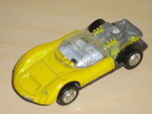 PLAYART YELLOW PORSCHE CARRERA 910 RACING CAR