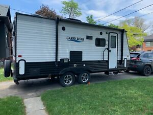 2019 Grand River 187TB 3 Queen bed hybrid Travel Trailer