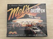 Moebius 1/87 HO Scale Mel's Drive-In Model Diner Plastic Model Kit #935