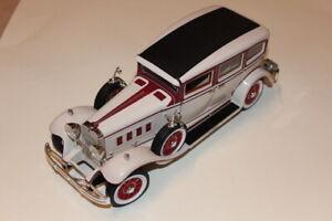 Modellauto Peerless von 1931 in creme und weinrot (Anson)
