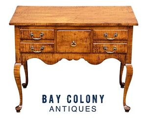 20TH C QUEEN ANNE ANTIQUE STYLE TIGER MAPLE LOWBOY / DRESSING TABLE