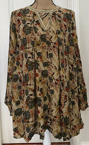 Umgee LS Floral BOHO Cut-Out Tunic/Top - Size M