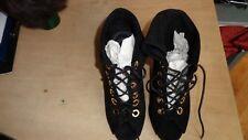bottines , bouts ouvets en daim noir, talons 11cm paire de bottines , bouts ouve