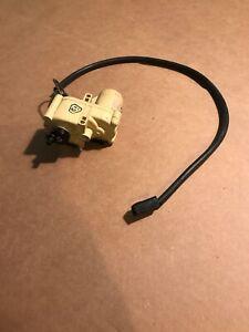 1979-1985 Volvo 244 242 Rear Trunk Popper Motor Actuator Remote Trunk (1D)