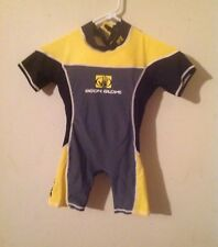 Body glove brand life jacket suit for toddler boys, size medium, pre owned.