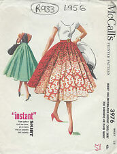 1956 Vintage Sewing Pattern CIRCLE SKIRT W28 (R933)