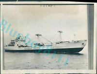 Canadian Pacific Freighter MV Beaveroak maiden Voyage 11x8 inch Original picture