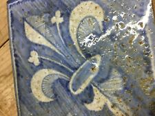 Carrelage Artisanal, Bleu roy, fleur de lys. vieux pavé terre cuite 16x16