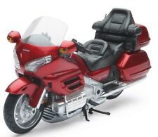 New Ray Toys 1:12 Scale Honda Gold Wing 2010 57253A