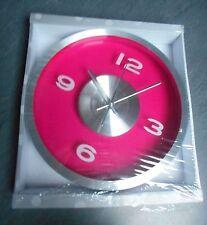 horloge rose neuve