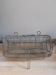 Ancienne nasse à poissons métallique