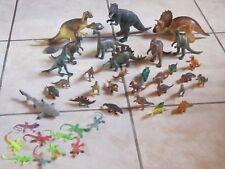 """Lot d'animaux préhistoriques """"dinosaures salamandres requin """" 40 pièces"""