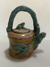 Clay teapot with frog lid