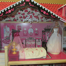 ORIGINAL BARBIE DOLL IS WEARING HER ORIGINAL WEDDING DRESS, SHOES & ACCESSORY
