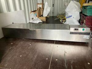 Countertop refrigerated food preperation bar