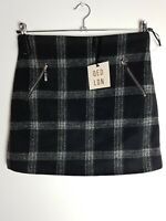 QED London Women's Checked Black Mini Skirt Size 10 Zipped Front Pockets