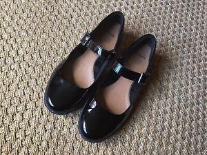 Clarks Active Air Black Patent Shoes 6 1/2