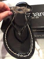 Bernardo Women Black Patent Leather Thong Sandal MAIYA diamond BLING 10 M VGUC