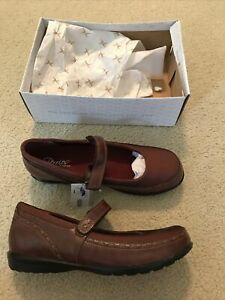 Aetrex Berries, Cranberry Mary Janes - womens 13W - NEW in box, no cover