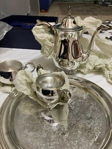 Vintage Silver Plated 4 Piece Oneida USA Tea Set -in Box, Tray, Teapot, Sugar