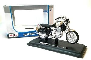 TRIUMPH THUNDERBIRD in Gold - 1:18 Scale Die-cast Motorbike Model by Maisto New