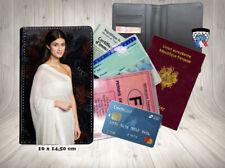 anya chalotra  003 carte identité grise permis passeport card holder