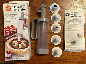 WILTON Dessert Decorator 5 Nozzles Cakes Hors D'oeuvres Pastries Icing