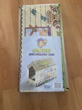 Garfield Cat House With Catnip Scratching Pad.