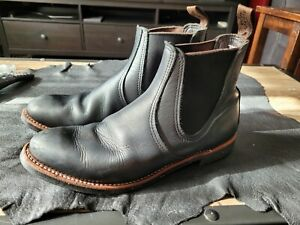 Red Wing Heritage Chelsea boots style 8200 10D Black.