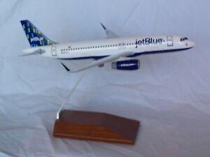 JETBLUE  AIRBUS A320 HIGH RISE 1:150 DESK MODEL SKYMARKS - EXECUTIVE