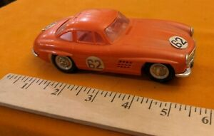 1060s VINTAGE REVELL MERCEDES BENZ 350 SL COUPE SLOT CAR 1/32, RED