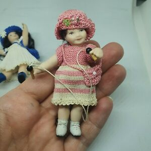1/12 Doll house doll Little Girl With Skipping Rope