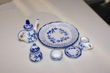 VINTAGE CHINESE MINIATURE BLUE & WHITE PORCELAIN DOLLHOUSE TEA SET 8 PCS