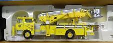 CORGI - HEROES UNDER FIRE - MACK CF TOWER LADDER TRUCK - CHERRY HILL, NJ - NM279