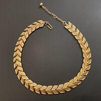 Vintage Trifari Brushed & Shiny Gold Tone Chevron Link Choker Necklace
