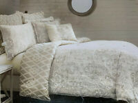 Laundry By Shelli Segal Artesia Queen Comforter & 2 Shams Set Reversible Floral