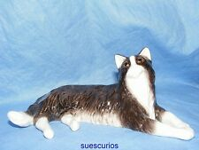 John Beswick Cat - Long Haired Cat Laying Down - JBC44