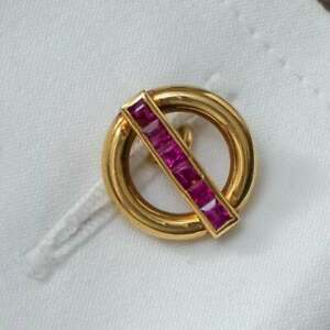 Beautiful Round Ring Shape With Square-Cut Rubies 10K Yellow Gold Men's Cufflink