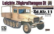 1/35th WWII German SdKfz 11 3-Ton HALF-TRACK (late) Model Kit par AFV 35047