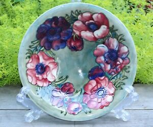 GORGEOUS WALTER MOORCROFT SHALLOW GREEN ANEMONE BOWL 1947-53 GOOD CONDITION