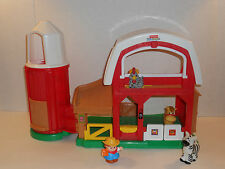 FISHER PRICE 2006 LITTLE PEOPLE FARM HOUSE WITH SOUNDS AND A FEW ACCESSORIES