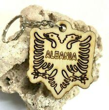 Schlüsselanhänger aus Holz 'Albanische Flagge' graviert  - Lasergravur