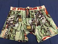 NWT FREEGUN DESIGN IN FRANCE BLACK RED GREEN BOXER BRIEFS MEN'S SIZE LARGE NICE