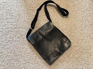 Ledertasche, Messengerbag, von STRELLSON, weiches Leder, Größe 34 x 32 cm