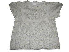 H & M tolles T-Shirt Gr. 86 weiß mit blauen und grünen Blumen Motiven !!