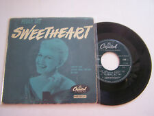 EP 4 TITRES VINYLE 45 T , PEGGY LEE , SWEETHEART . VG  / VG -  . CAPITOL 106 .